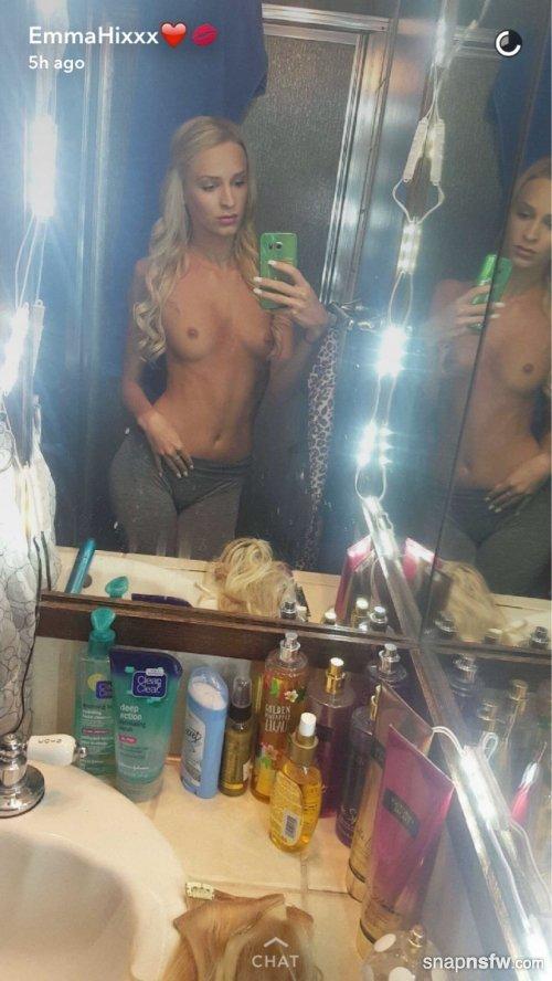 bathroom selfie from emma hix snapchat